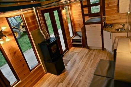 hot-tub-tiny-home-on-wheels-1